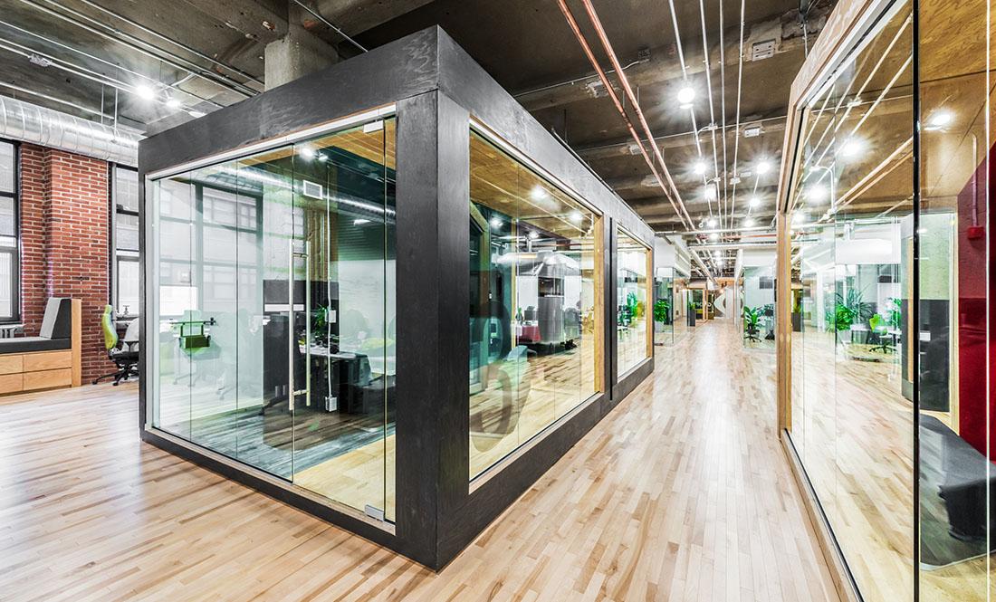 Projet r novation bureaux entreprise gsoft spacia for Immeuble bureau design
